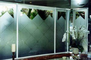 اجرای شیشه دکوراتیو