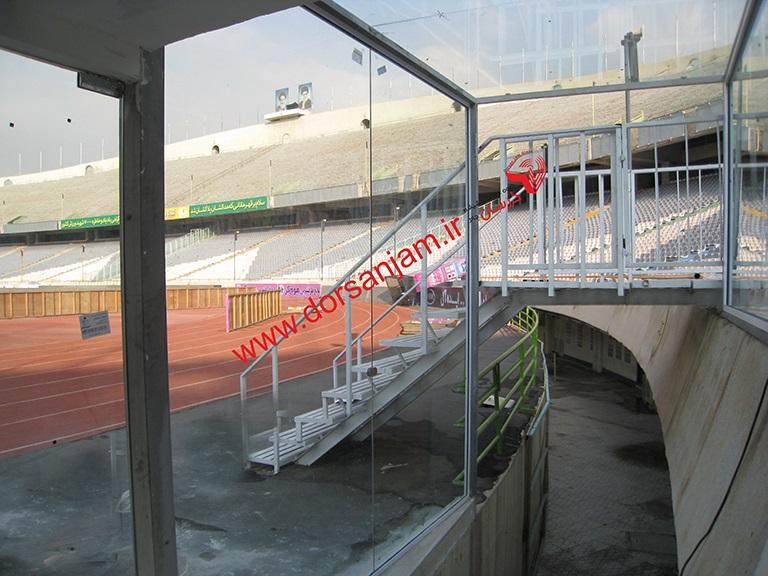 اجرای پروژه تونل شیشه ای استادیوم آزادی