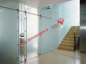 جداساز شیشه ای با درب کشویی